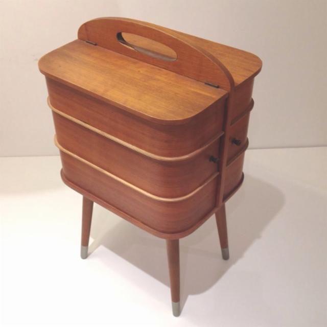 Costurero danés de madera de los años 50 en perfecto estado ...