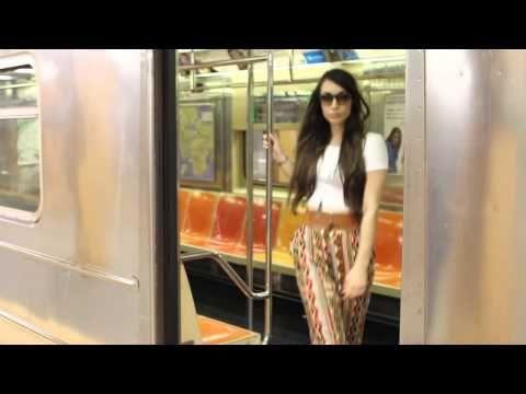 psy Gangnam Style new york style(뉴욕 스타일 강남스타일) // lo mejor en 2:36 el resto es malito.