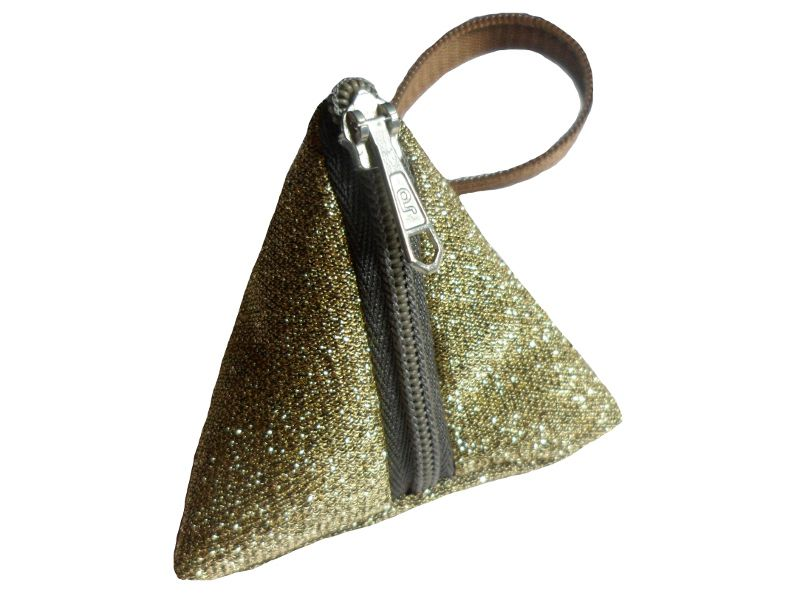 Schlüsselanhänger Tasche Gold Glitzer, Upcycling von Leesha Design auf DaWanda.com