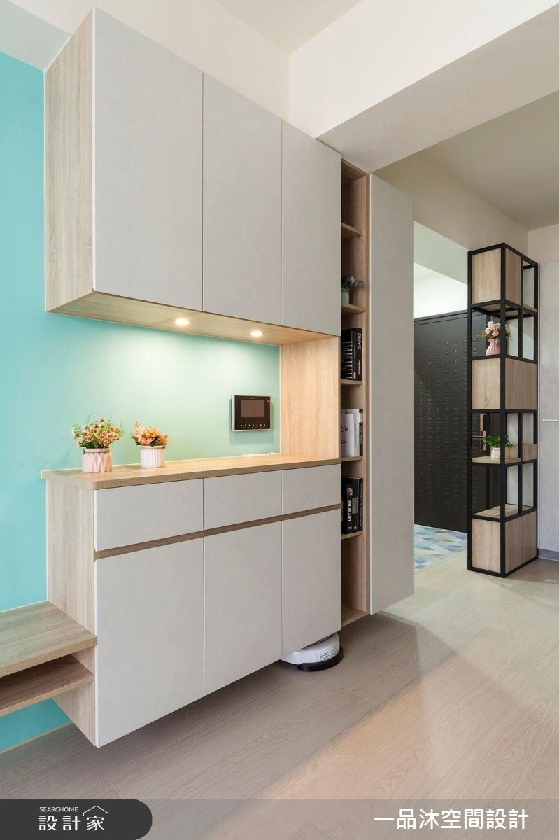 Pin By Delia Hsieh On Lobby Modern Kitchen Cabinet Design Wall