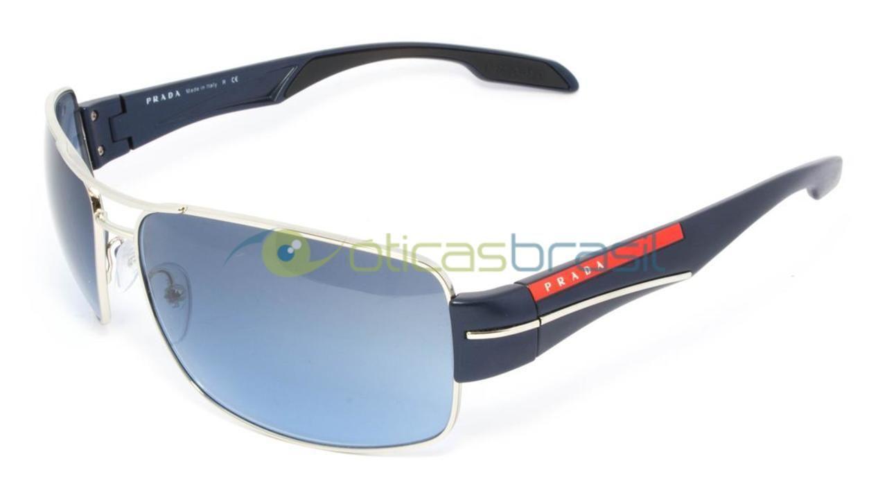 O Prada Linea Rossa SPS 53N é de um design quadrado muito sofisticado. Esse  óculos de sol tem resultados elevados em termos de estilo, por oferecer  máxima ... 51e02193f1