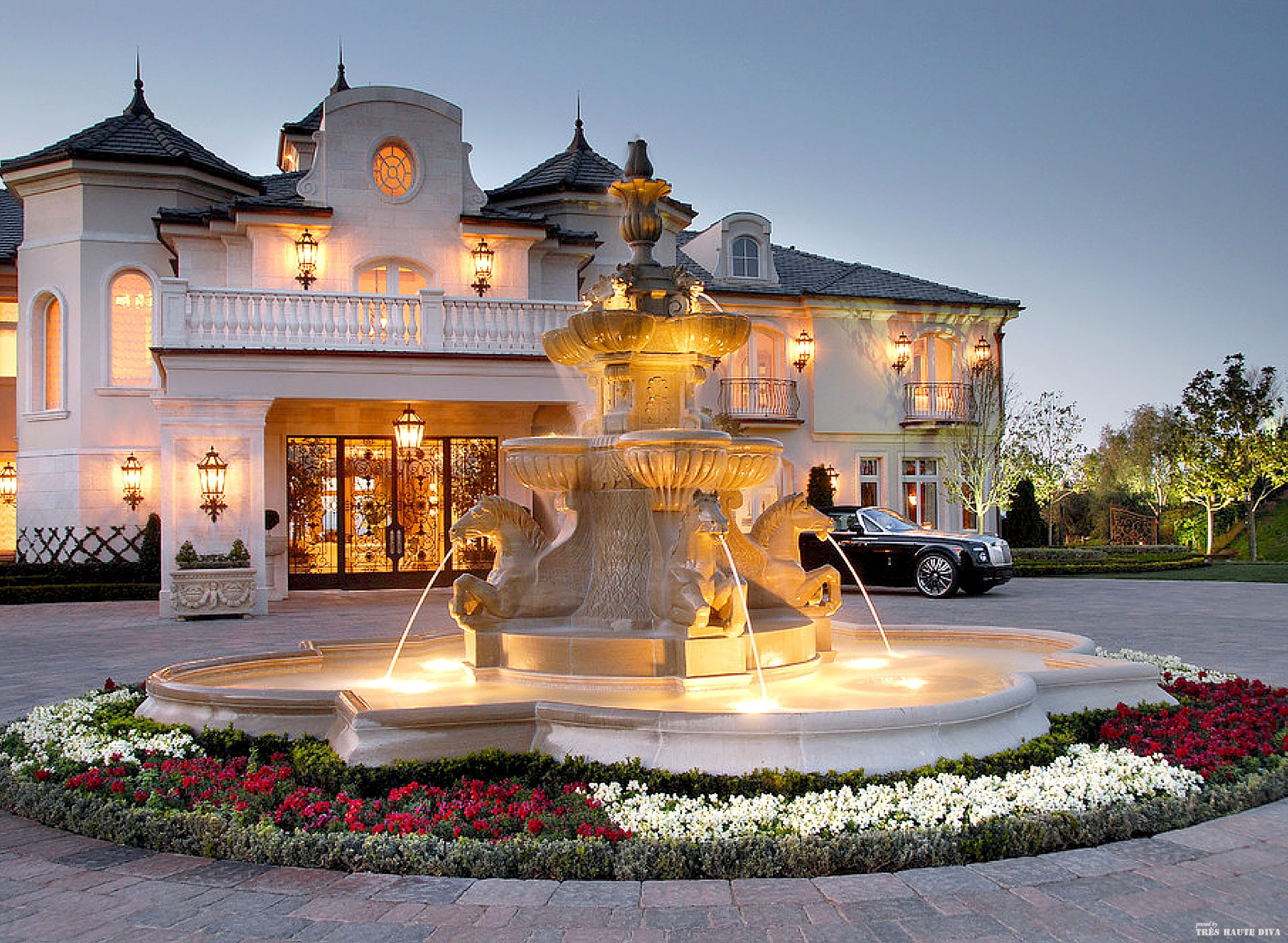 French Chateau Style Driveway With Fountain Luxury Mansion