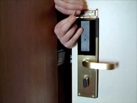 Learn To Pick Locks For Fun Chain Lock Door Chains Rubber Bands