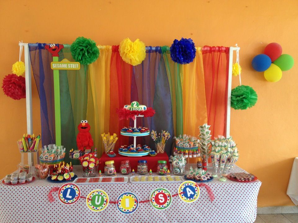 Mesa de dulces y postres elmo balloon ideas for obed 39 s for Ideas para mesa de postres