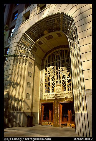 Building · art deco entrance