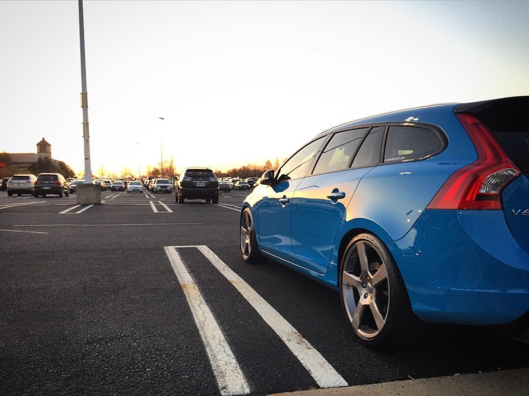 It's the weekend!  Have some fun with your Volvo or park it safe when in public.  #V60 #swedespeed #TGIF #wagonspotting