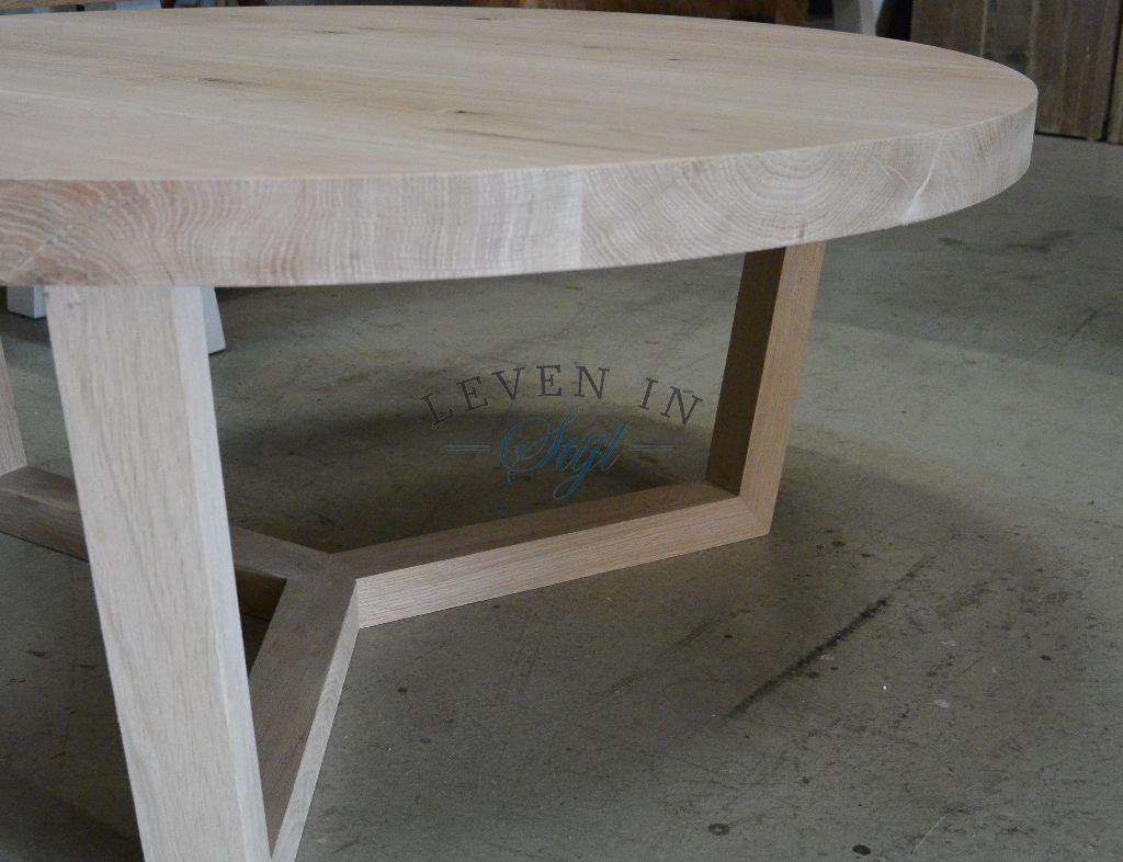 Pu003eprachtige ronde eiken salontafel wat in elke diameter en hoogte