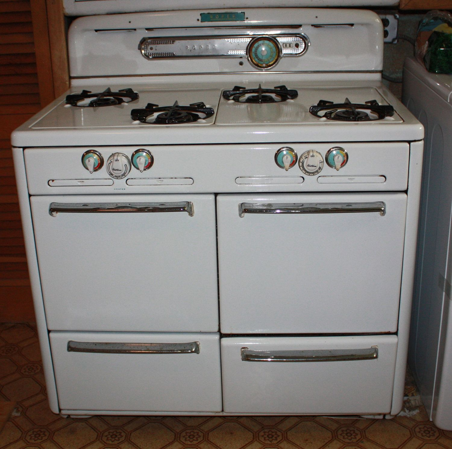 Beautiful Vintage Roper 4 Burner Gas Stove With Heater Early 1935 1940 225 00 Via Etsy