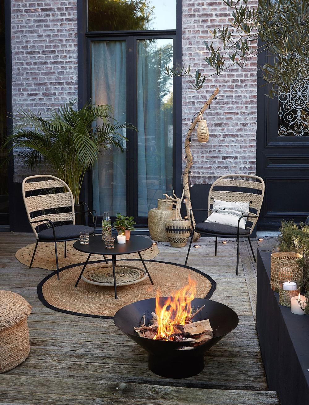 Nouveautes La Redoute Interieurs Meuble Table Et Salon De Jardin In 2020 Outdoor Gardens Design Small Courtyard Gardens Backyard