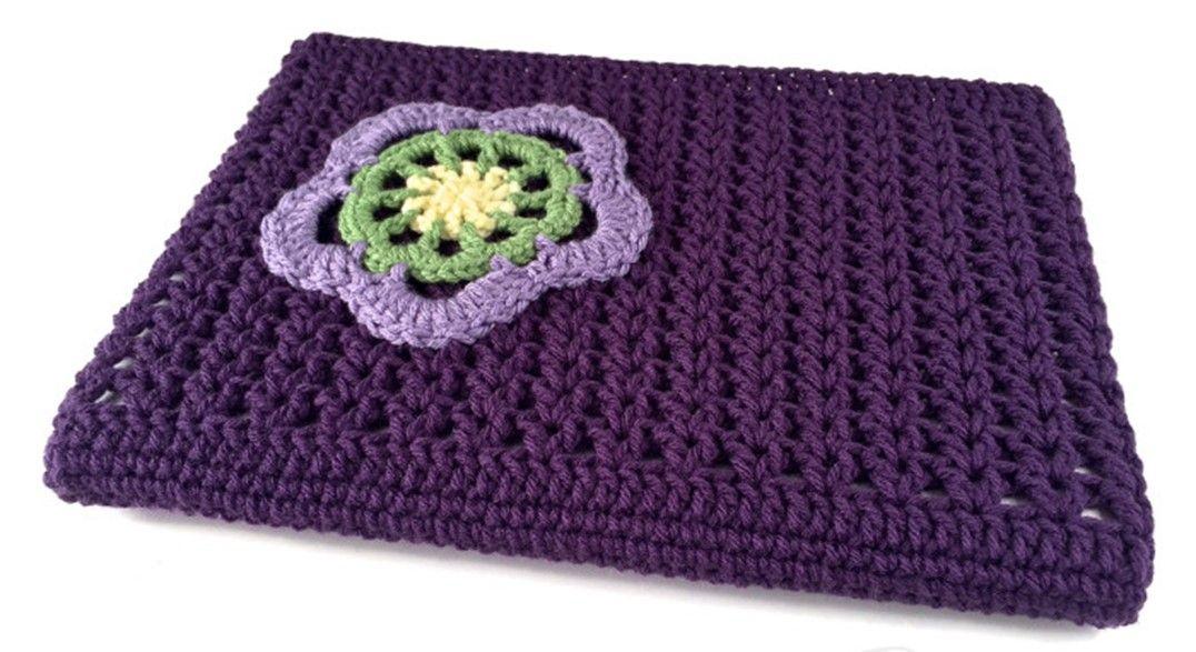 Crocheted V-Stitch Laptop Sleeve [FREE Crochet Pattern]   Crochet ...