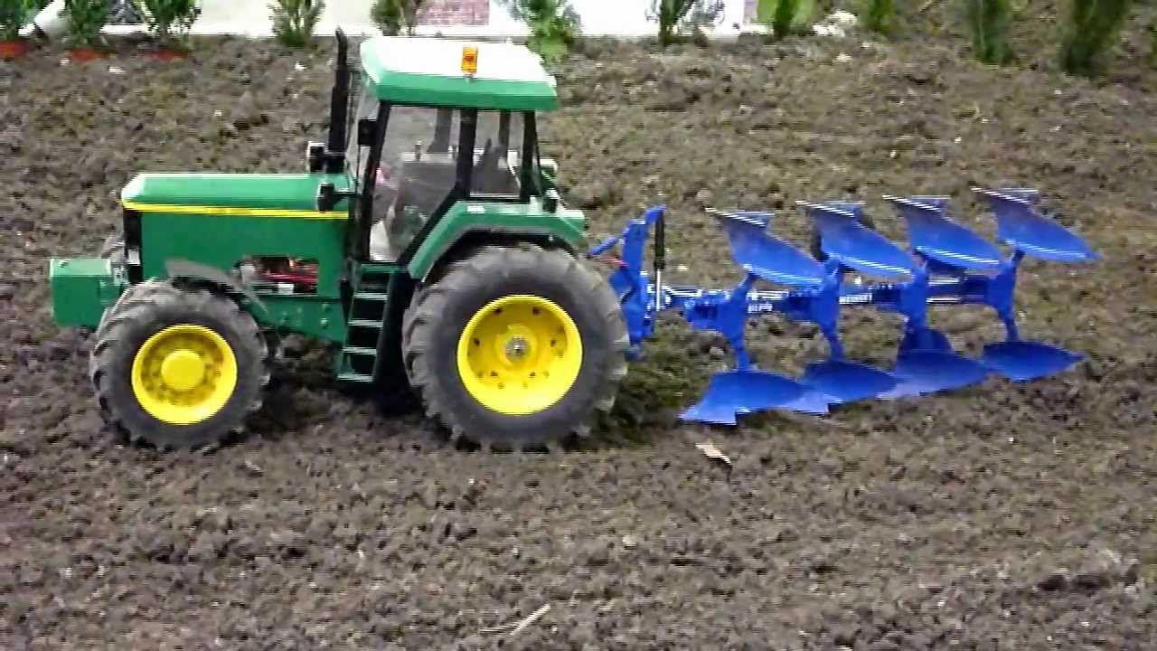RC 18 plowing with John Deere tractor  RC pflgen mit John Deere