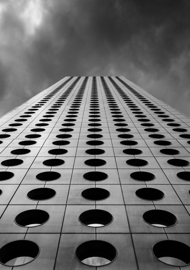 Stunning Black And White Photography Of Global Architecture - Minimalistic black white photo series captures energetic movements mid air
