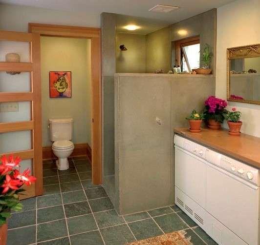 Bagno piccolo con lavatrice - Lavatrice accanto al box doccia