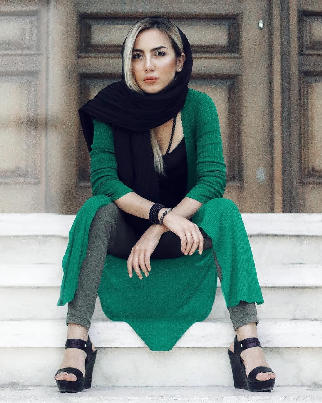 Iranian bare women little girl spreading