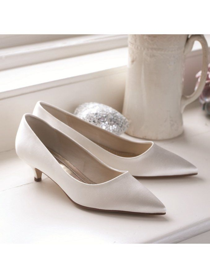 1000  images about My shoes on Pinterest | Kitten heel shoes, Lace ...