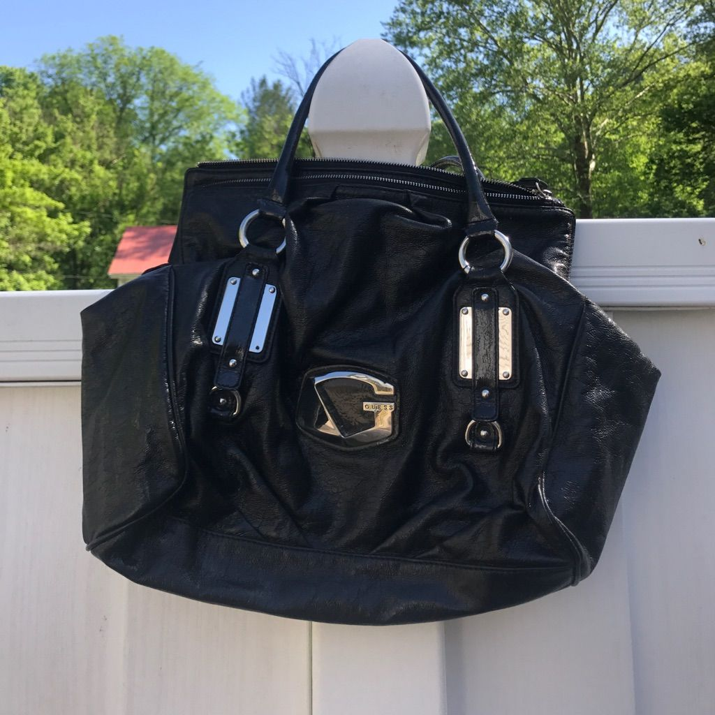 Brand New Guess Purse! Excellent Deal