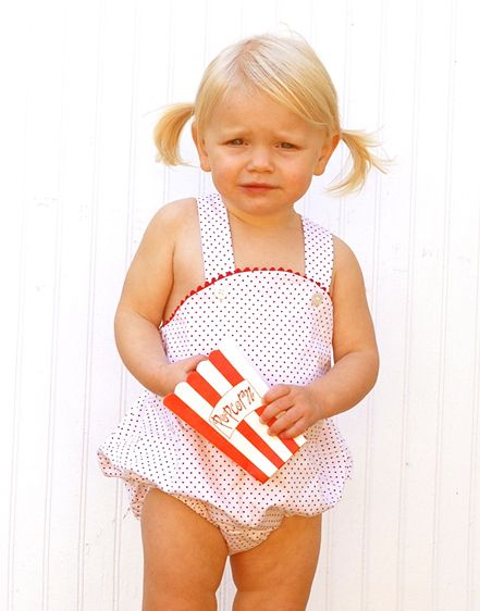 adorable for a summer session or summer military homecoming! (just make sure you put sun screen on)