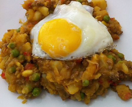 Looks kind of gross but this chilean dish charquicn con huevo but this chilean dish charquicn con huevo frito is delicious om noms to make pinterest chilean food dishes and chilean recipes forumfinder Image collections