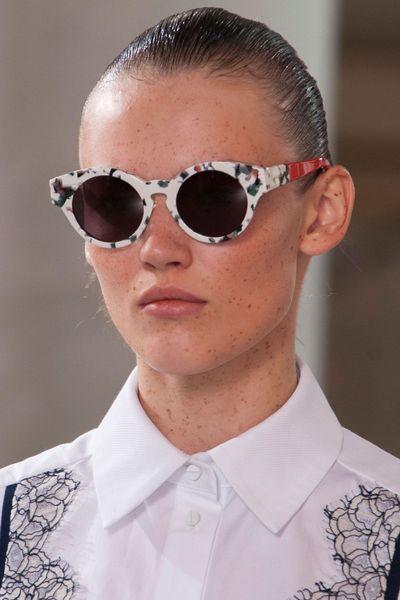 Preen   Crédit photo  Imaxtree   Les plus belles lunettes de soleil de l  5384abc017cc