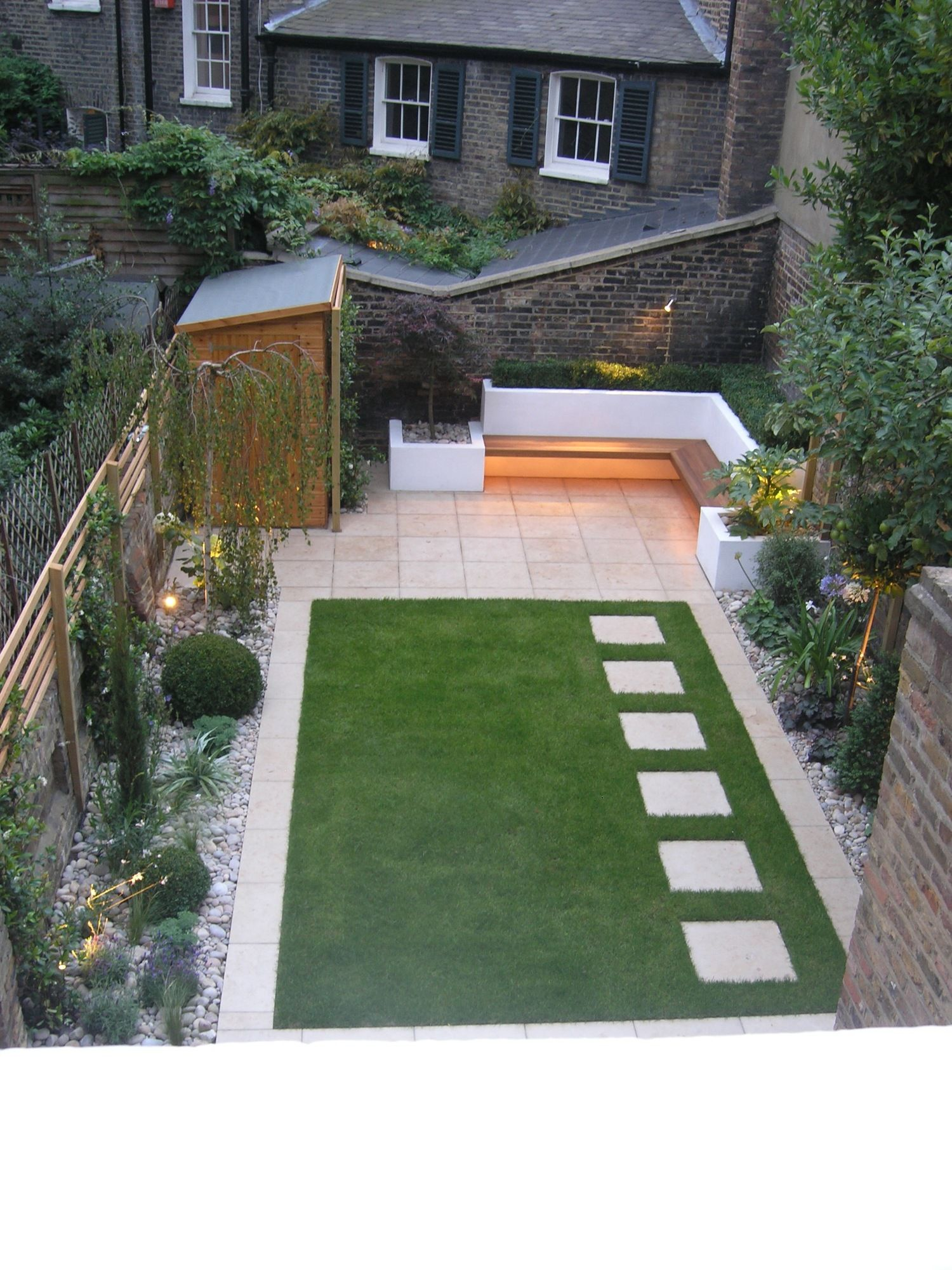 Jardim | Back garden design, Small backyard landscaping ...