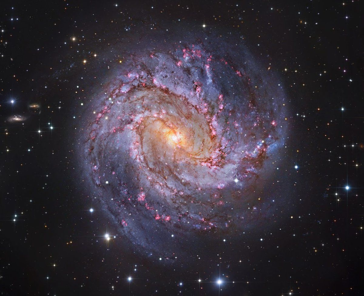 The Thousand-Ruby Galaxy - M83 lies a mere 12M ly away, near the southeastern tip of the long constellation Hydra