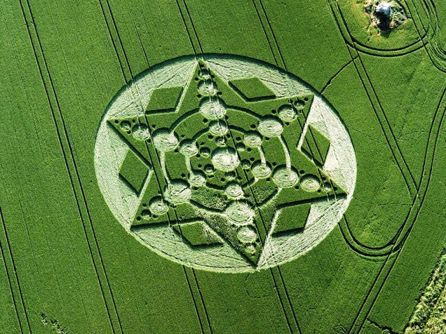 Crop Circles Mystery.