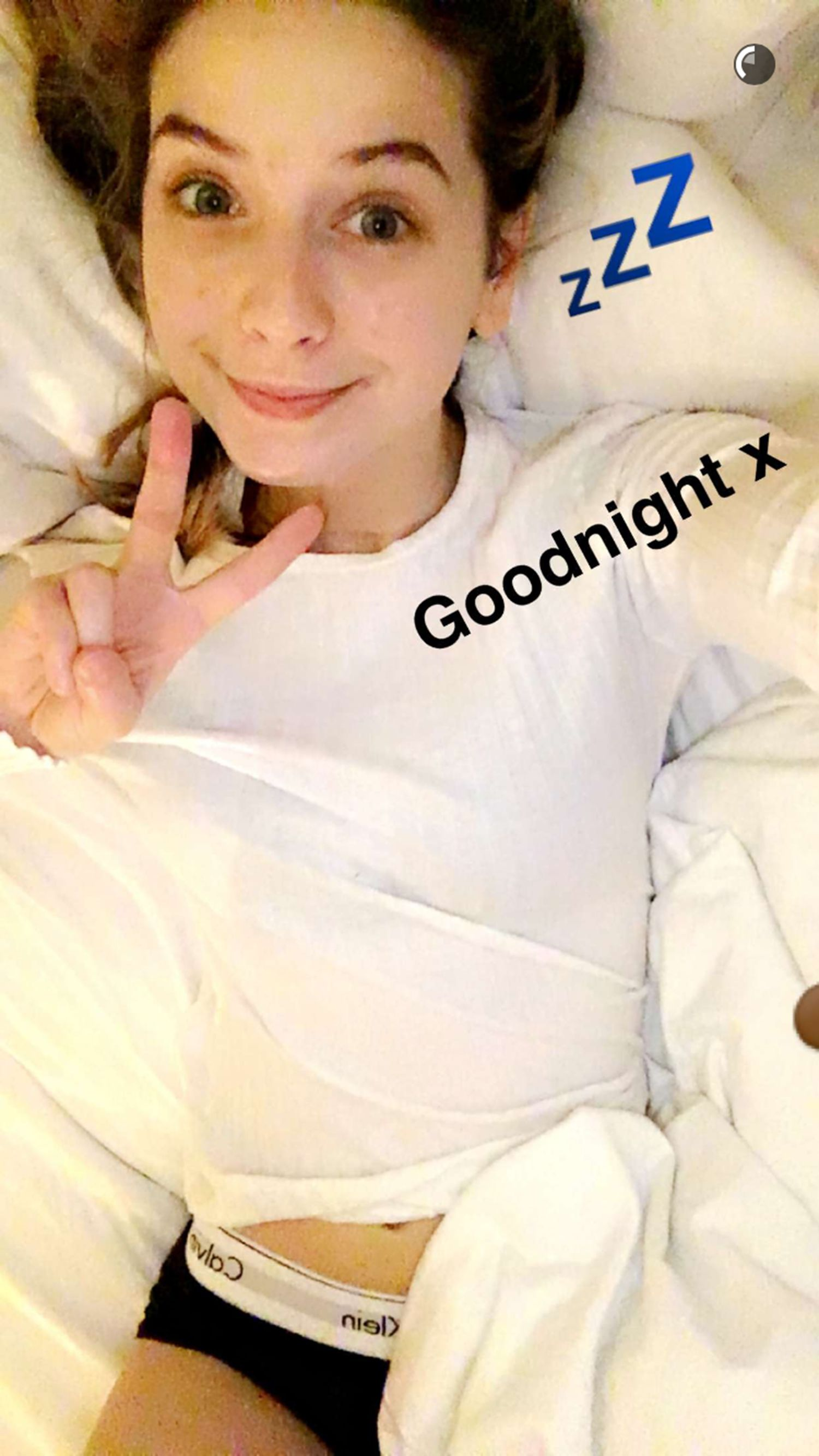 Youtube Star Zoella Poses In Her Knickers For Bedtime Snapchat