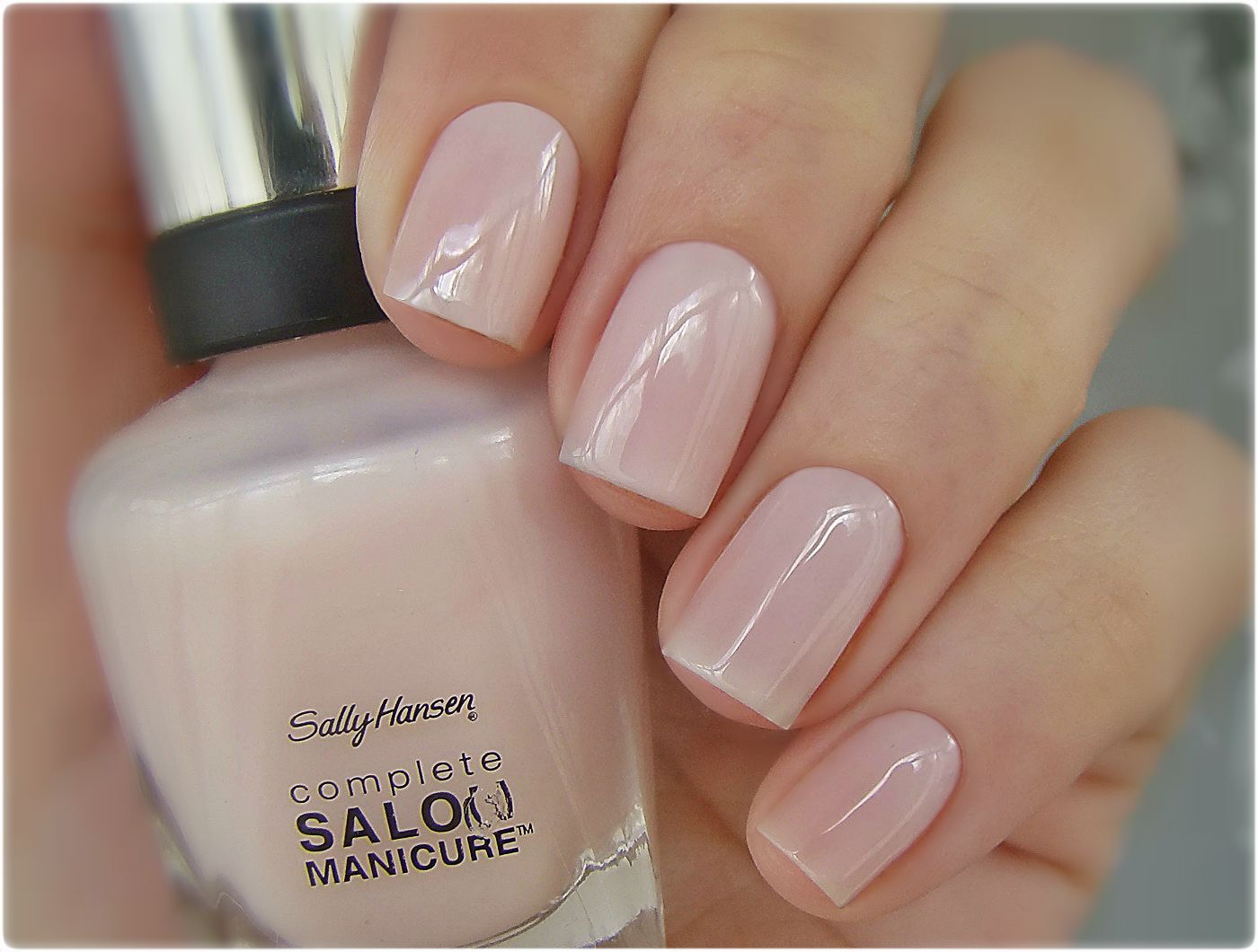 sally hansen shell we dance swatched on nail stick 2. Black Bedroom Furniture Sets. Home Design Ideas