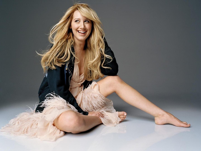 feet Ashley tisdale