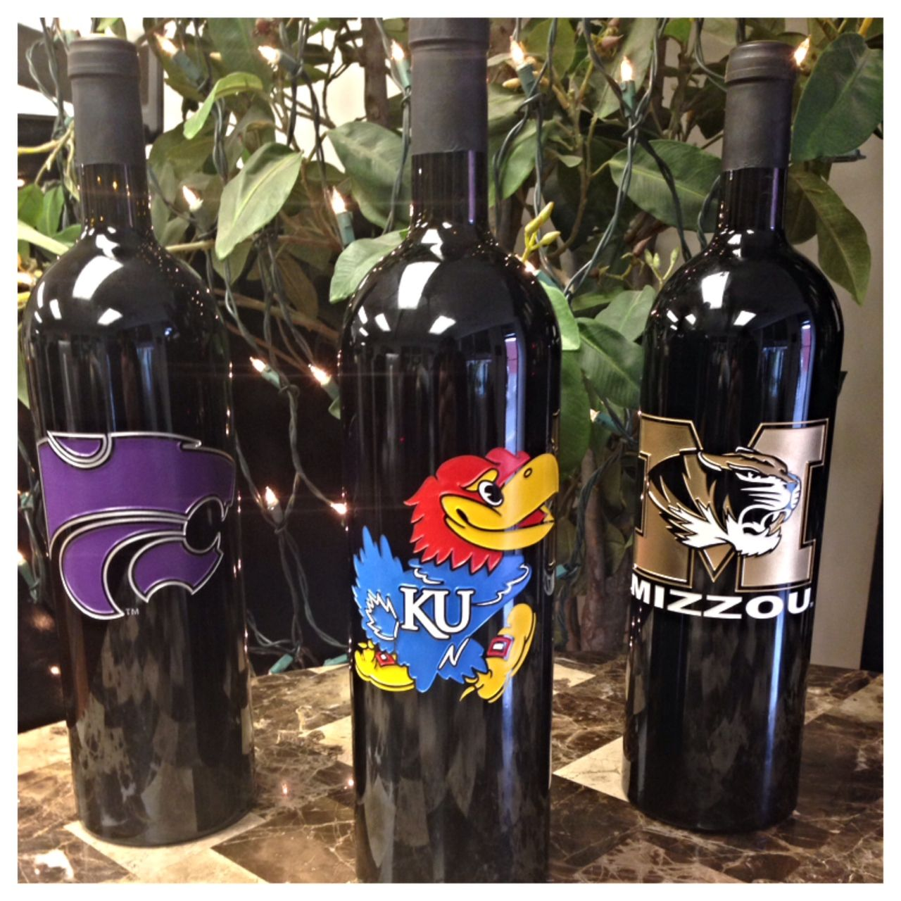 Lots Of School Spirit In These Wine Bottles! #wine