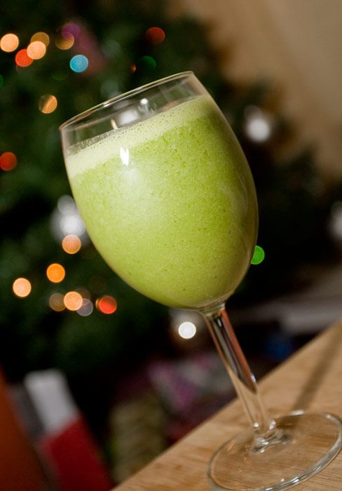 Yummy peppermint smoothie, just in time for Christmas!