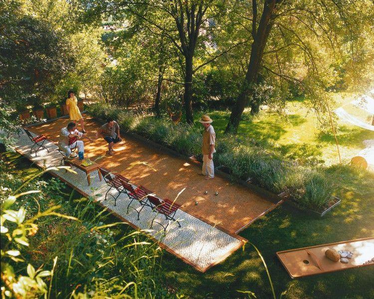 Comment Construire Un Terrain De Petanque Chez Soi 4 Etapes Terrain Petanque Terrain Boule Petanque Terrasse Jardin