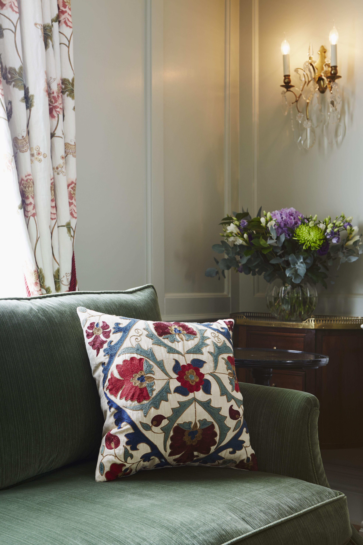 Chelsea Townhouse Violet & Ltd © Luxury