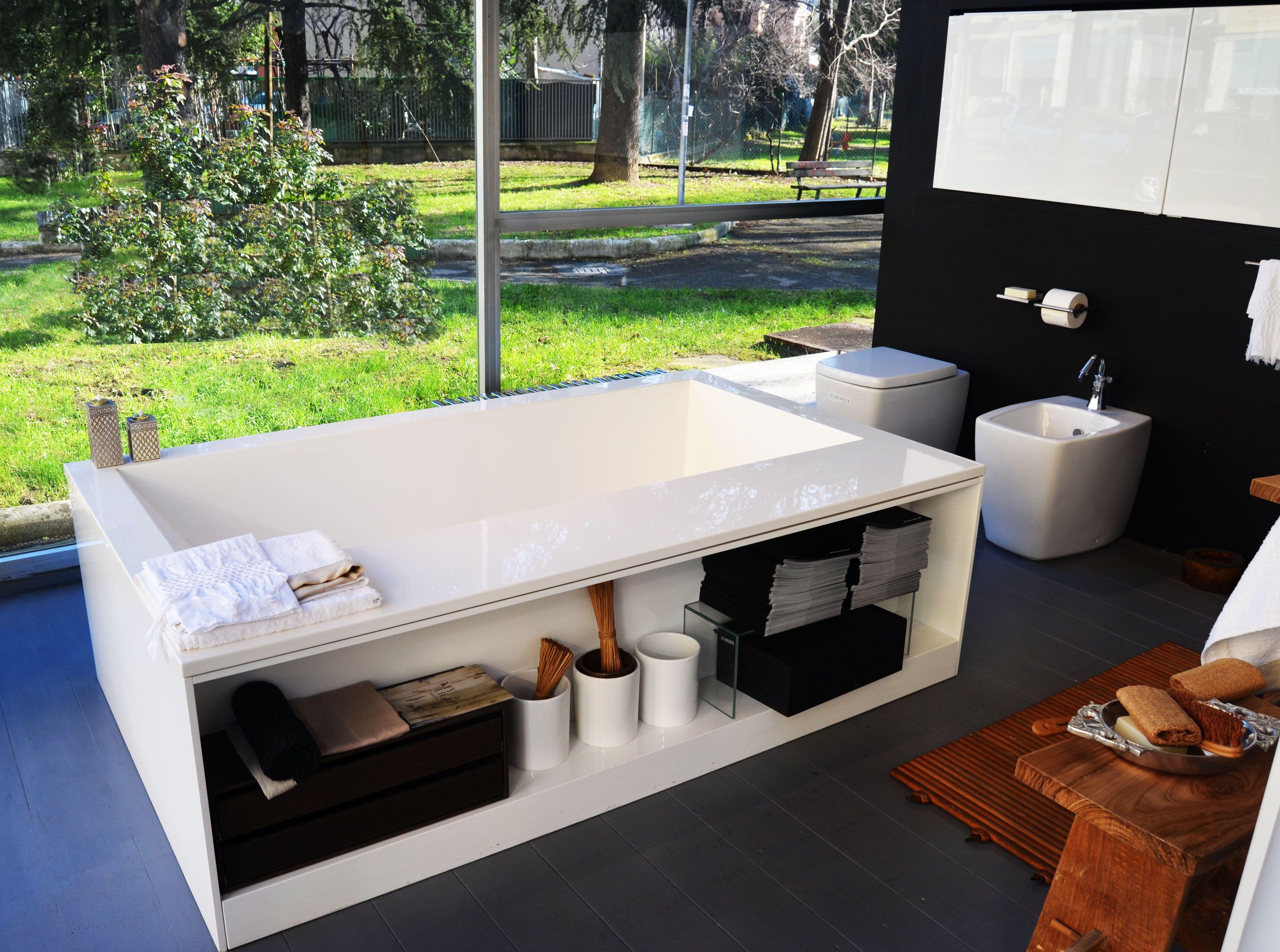 Vasca boffi bagno spugne aqua di claudia modelli showroom san donato pinterest showroom - Modelli di bagno ...
