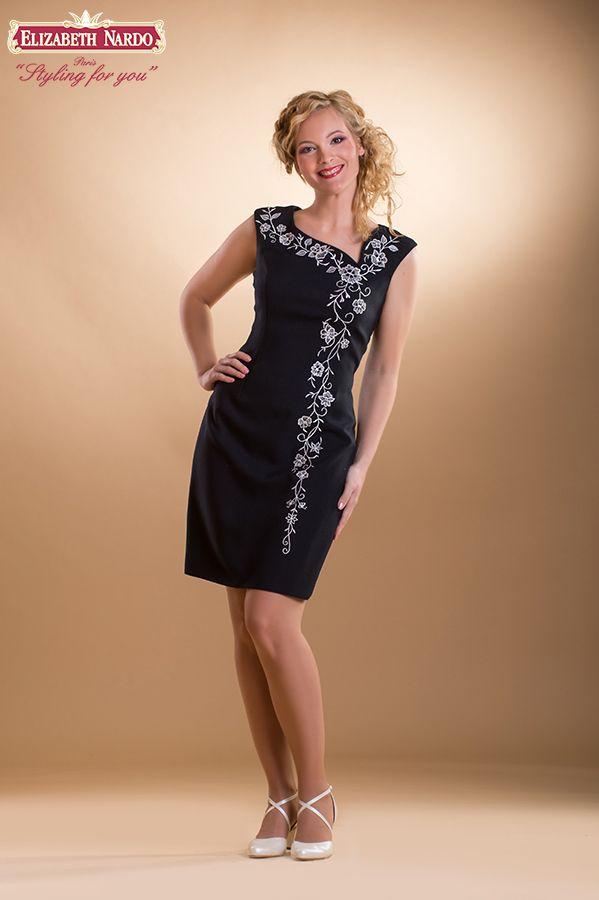 fbeef020cc kalocsai himzett menyasszonyi ruha | 410 örömanya ruha:ó-kalocsai himzett,egyenes  vonalú - Menyasszonyi .