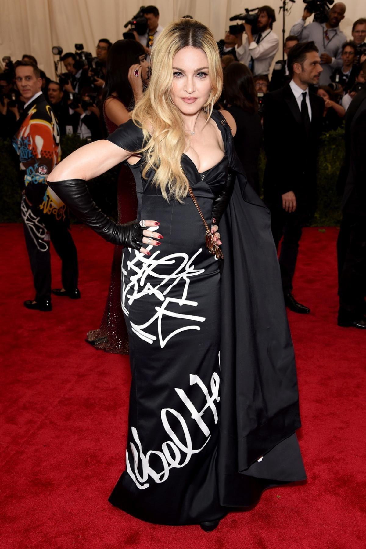 Madonna Photos Met Gala 2015 Best And Worst Red Carpet Looks On Fashion S Biggest Night Met Gala Looks Fashion Nice Dresses