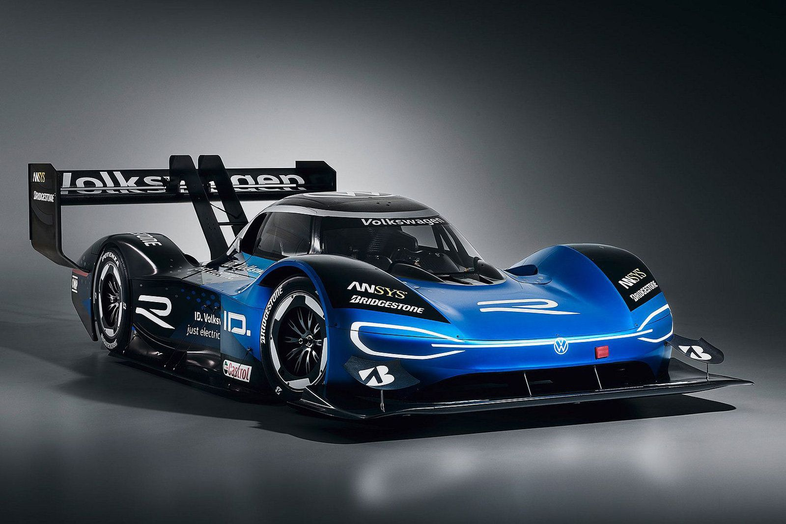 Vw S Factory Race Teams Will Exclusively Drive Electric Cars Vw Motorsport Racing Volkswagen