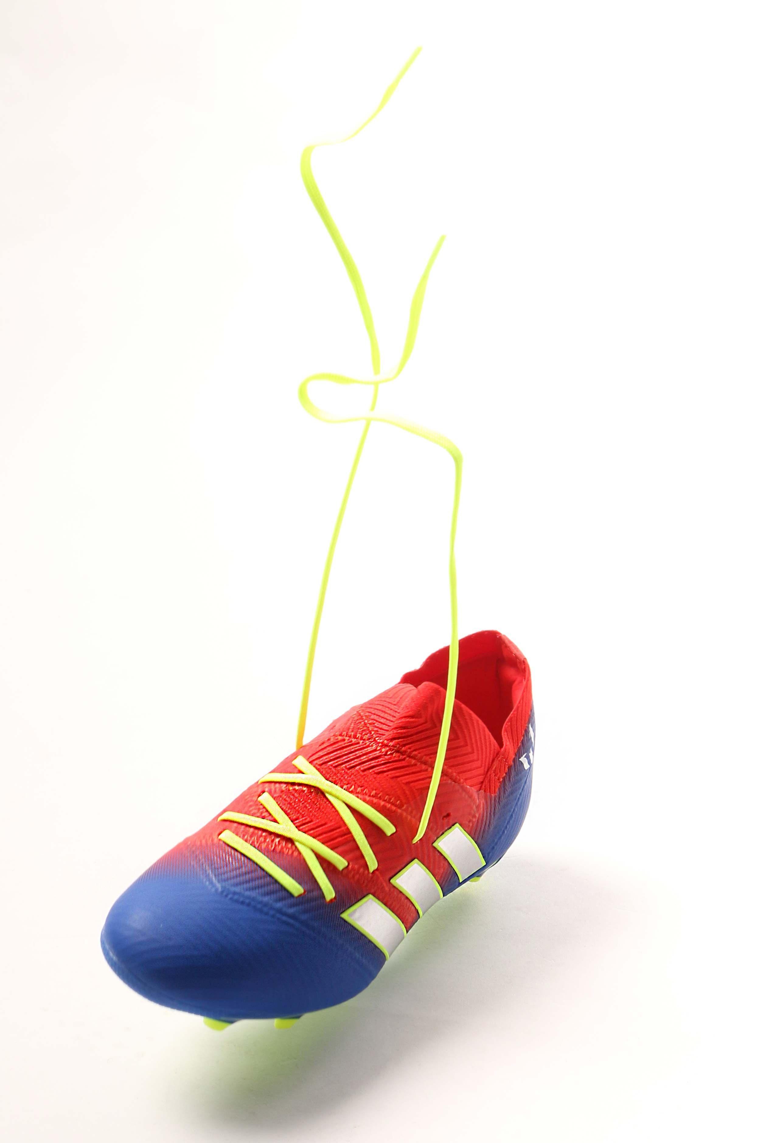 Las botas y zapatillas de Messi para niños están en  futbolmaniakids f51efc06a54b3