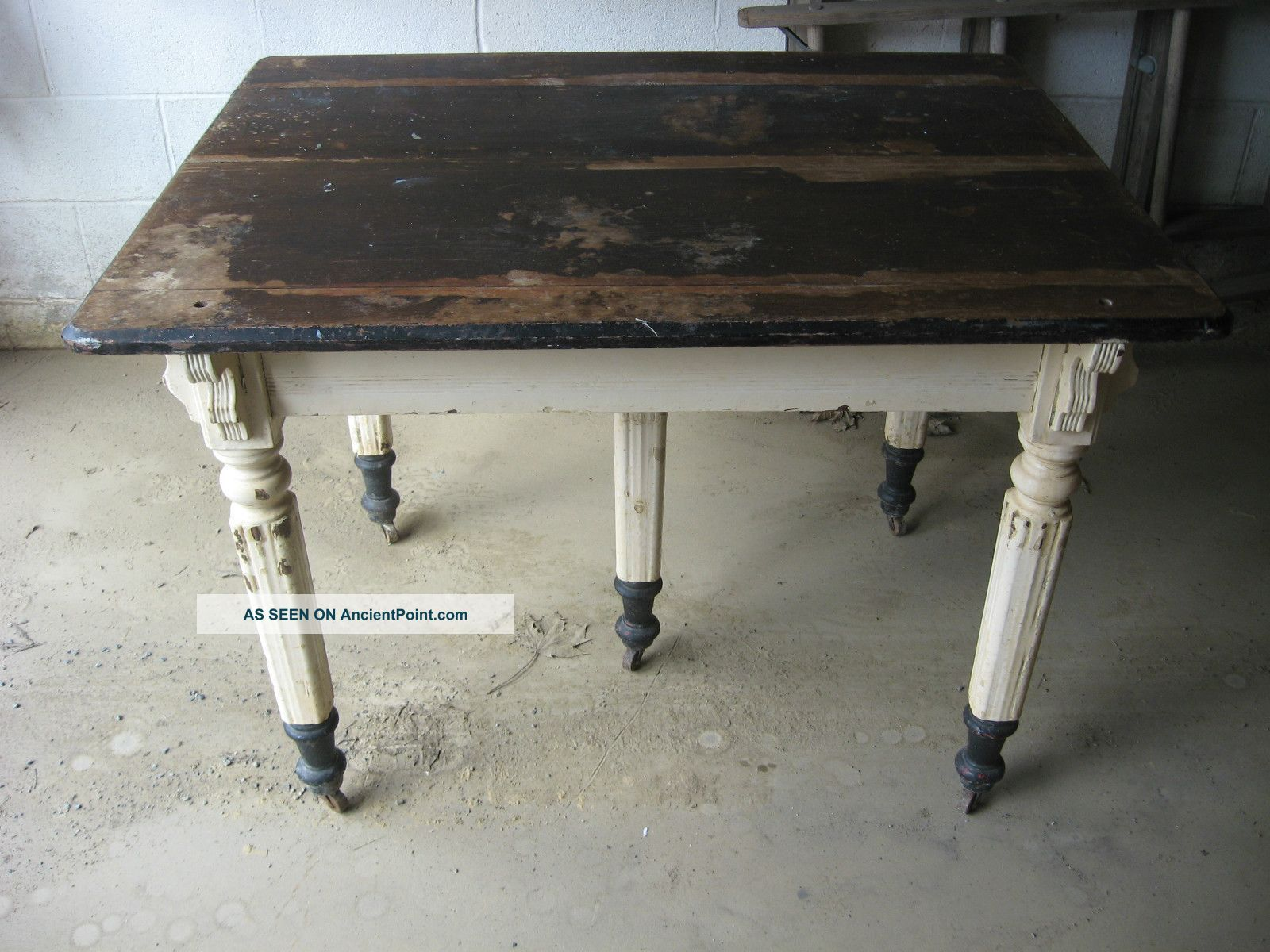 vintage farmhouse kitchen antique five 5 legged kitchen table vintage farm house cabin - Antique Farmhouse Kitchen Tables