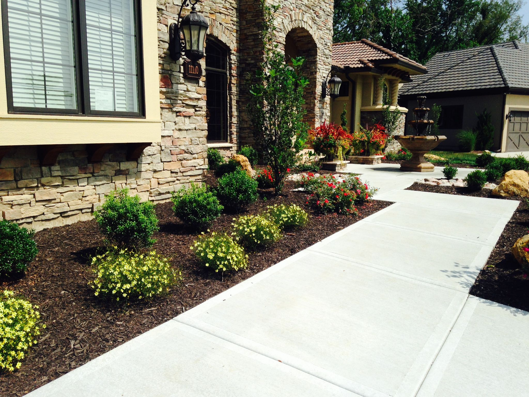 Landscaping Front Entrance Front Yard Landscaping Sidewalk Landscaping Lawn Care Companies