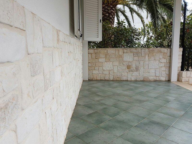 Pavimento In Pietra Di Trani : Trani gold stone pietra di trani pietra trani marmo trani marmi