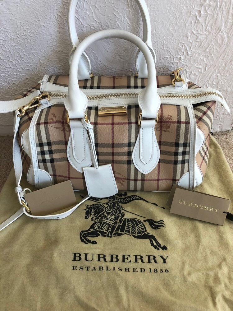 b378979fb815 Burberry Gladstone White Tote for Sale. Slightly used Original price   1495  Sell  fashion
