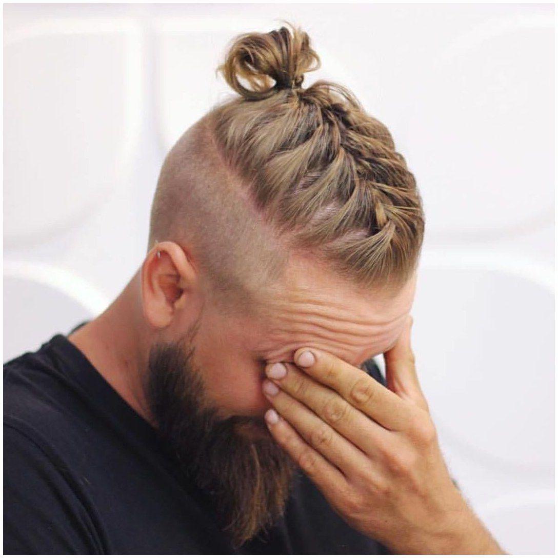 Mannerzopf Das Trendige Hairstyle Fur Manner Frisuren In 2019 Frisurentrends Zenideen Geflochtene Frisuren Lange Haare Viking Frisur