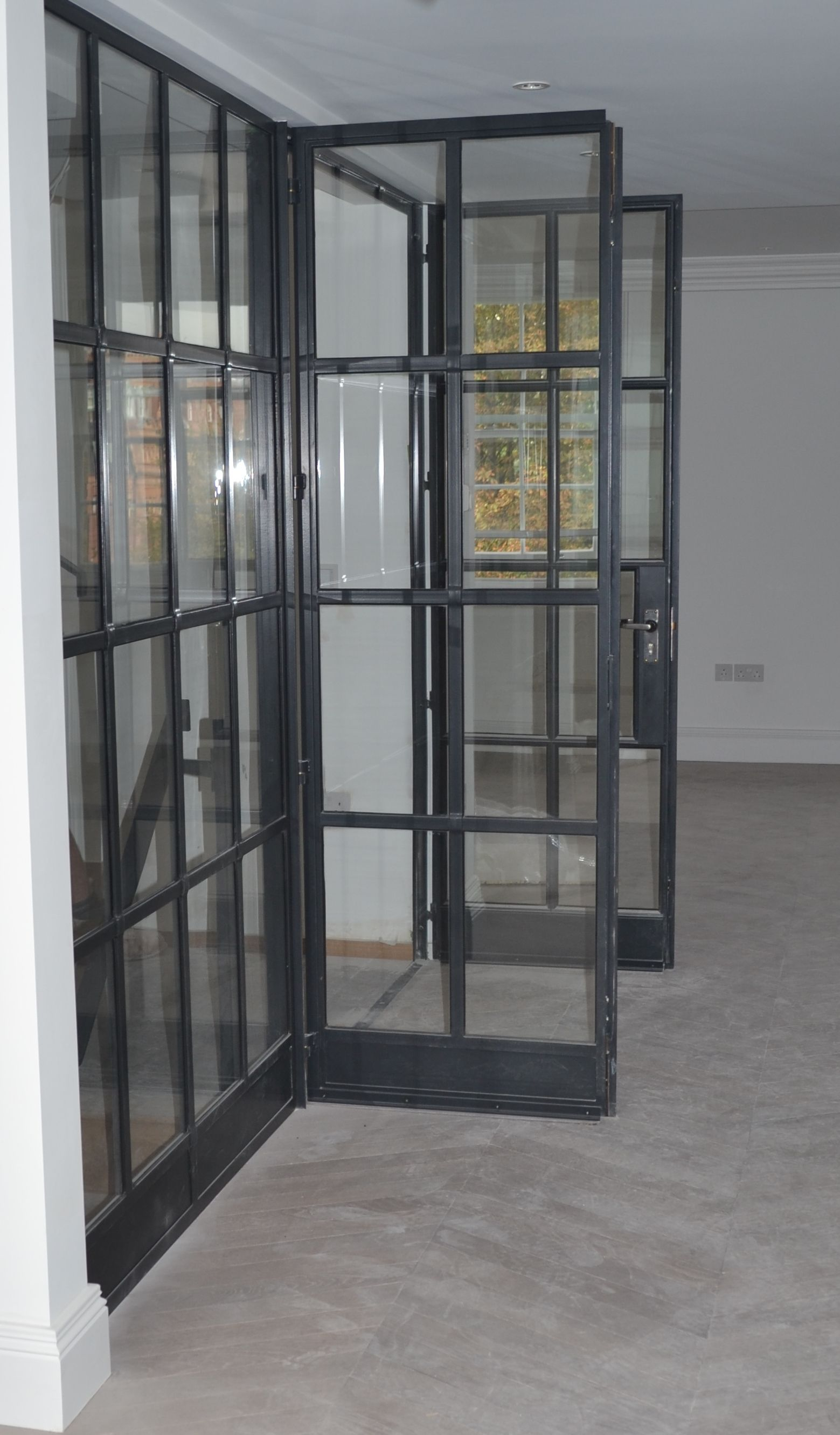 Lightfoot Windows Kent Ltd Internal Crittall Door Screen Featuring Fire Rat