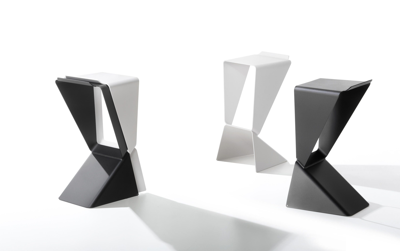 ICON I01 - Designer Bar stools from B-LINE ✓ all information ...