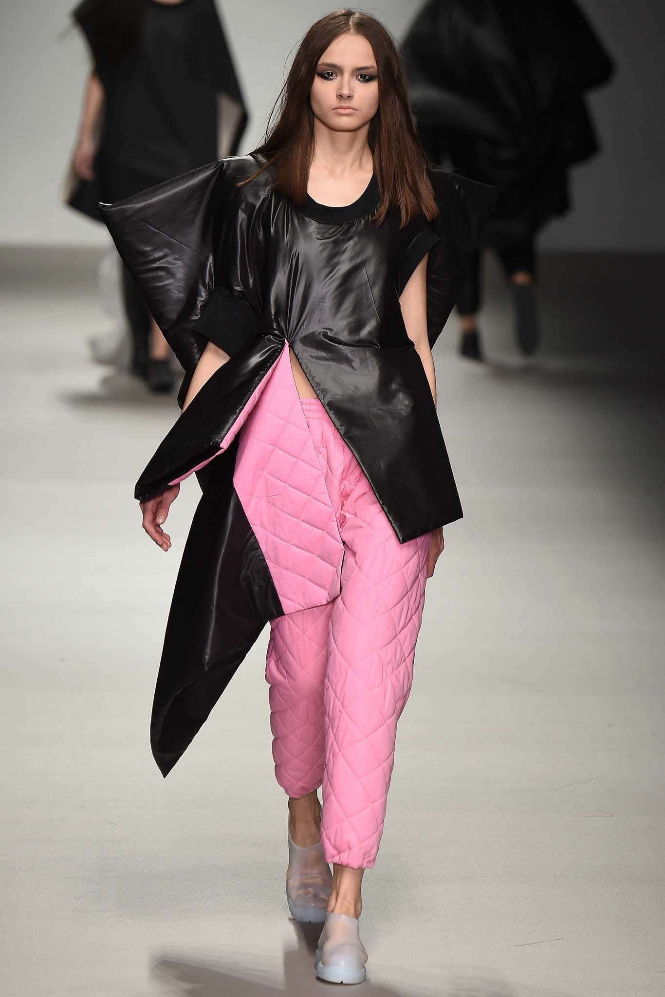 LOOK 65 (TOP) Central Saint Martins Fall 2015 Ready-to-Wear - Collection - Gallery - Style.com