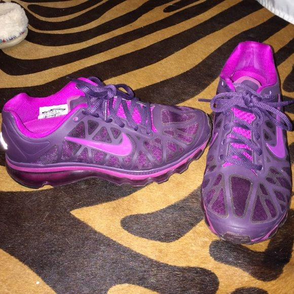 Nike air max size 6 perfect condition Nike Shoes Athletic Shoes