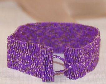 Simply Red ... Peyote Bracelet . Beadwoven Cuff . Handmade