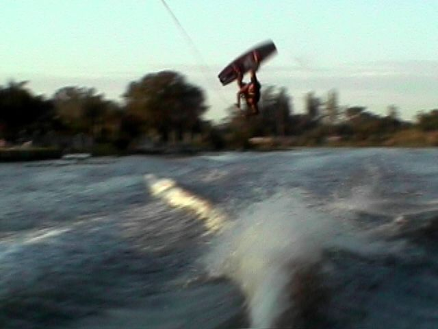 #alexwilliams #alex #williams #wakeboarder #wake #wakeboarding #southflorida #wakeboard #flip #frontflip #westpalmbeach #lake