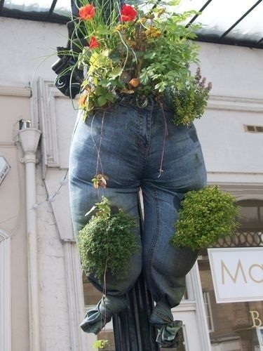 Recycled jeans planter | 18 Things You Probably Shouldn't Make Out Of Jeans